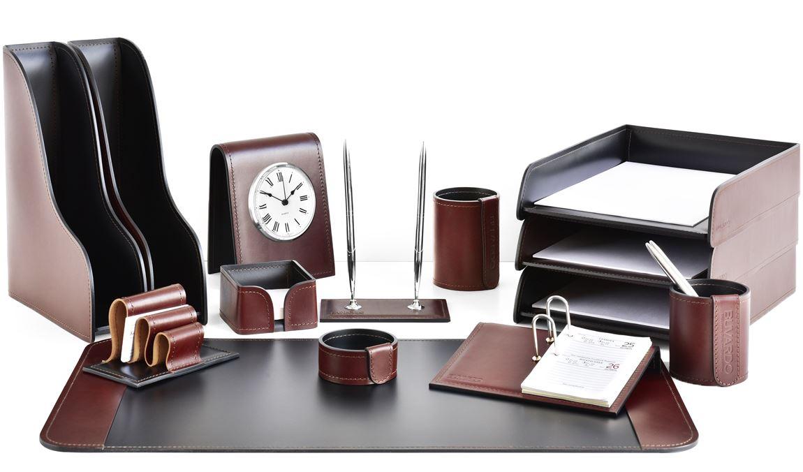Кожаный настольный набор - бювар, лотки горизонтальные и вертикальные, канцелярские стаканы и другие аксессуары