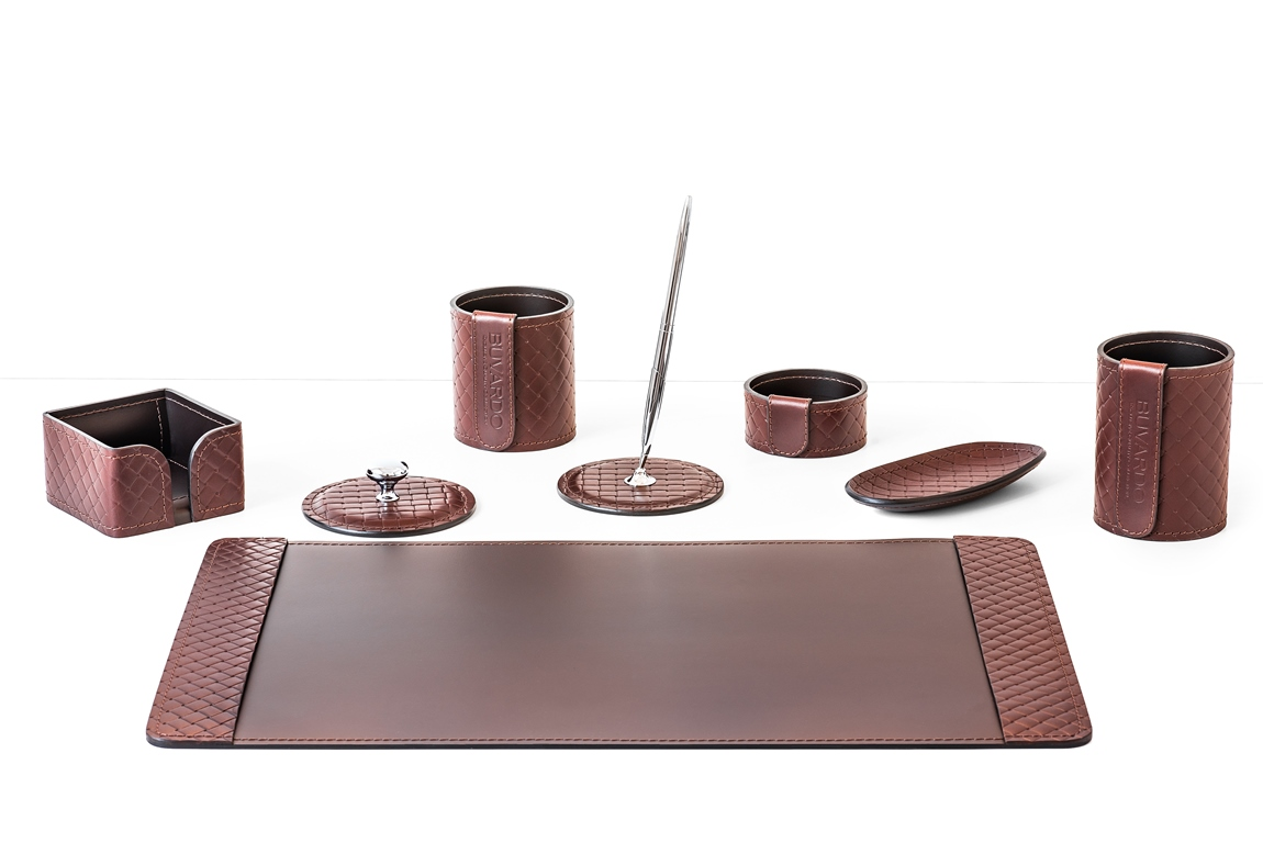 Настольный кожаный набор из 8 предметов - коричневая кожа